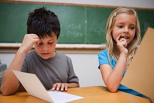 Çocuklarınızı karneye göre değerlendirmeyin