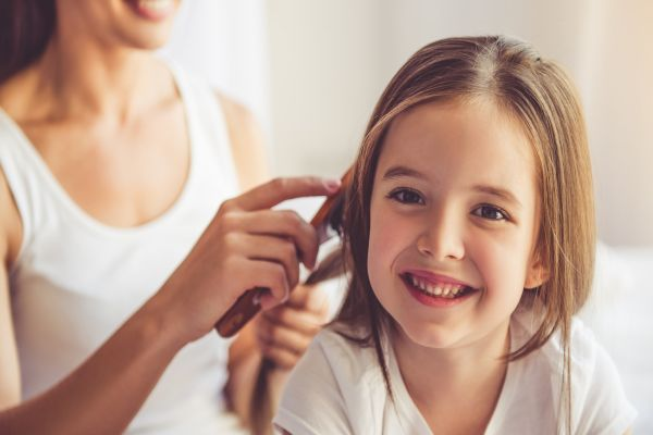 Ashley Joy saç bakım spreyi ile saçlarınız kolay taransın