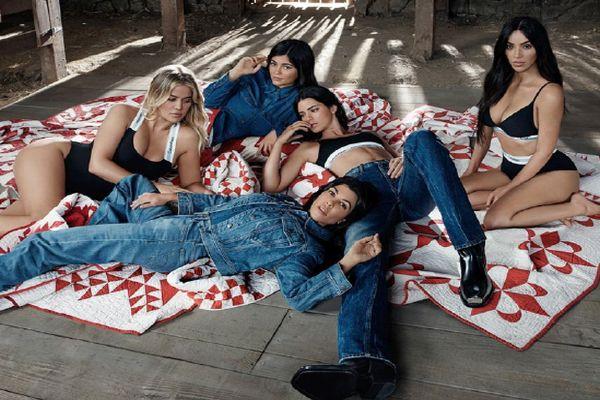 Kardashian-Jenner kardeşler Calvin Klein kampanyasında