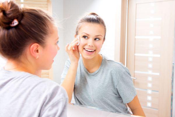 Sağlıklı cilt için doğru temizleyiciyi seçin