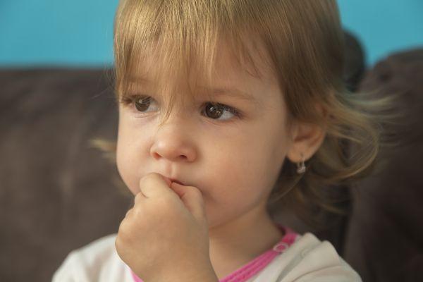 Çocuklar neden tırnak yiyor