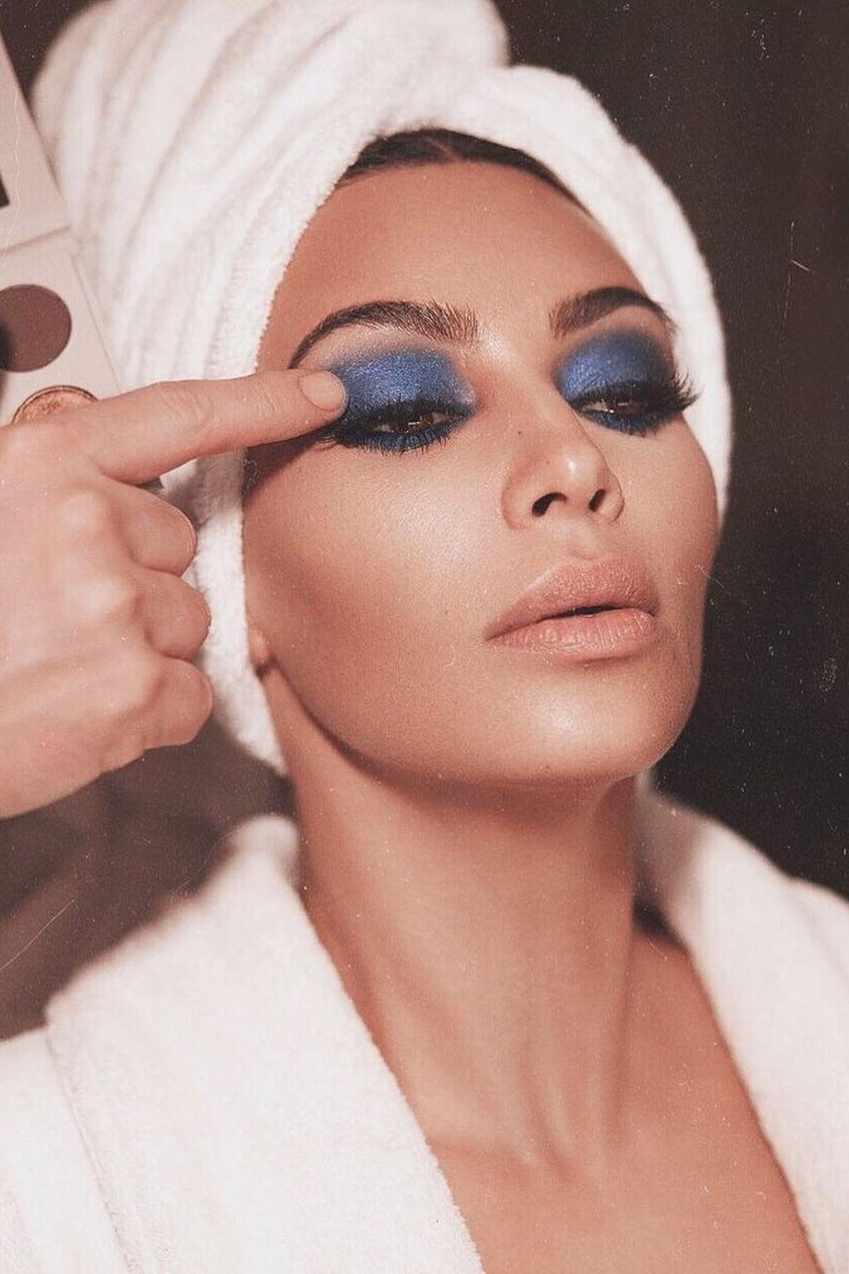 Kim Kardashian Kozmetik Markası ile Geliyor