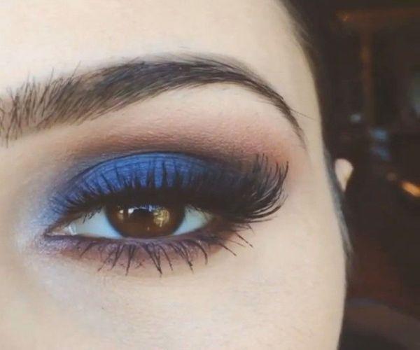 Kim Kardashian mavi göz farı modasını geri getiriyor!