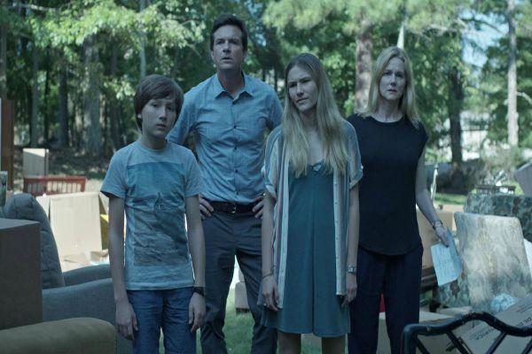 Netflix, Ozark'ın ikinci sezon gösterim tarihini duyurdu!