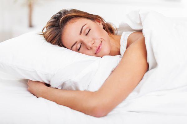 Sıcak havalarda rahat bir uyku için alınabilecek önlemler nelerdir?