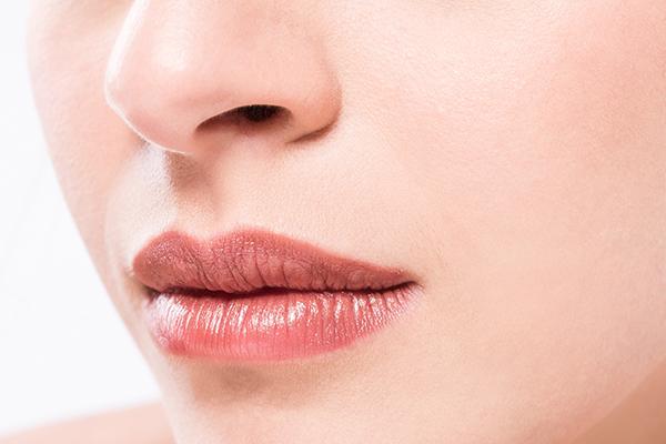 Sonbahardan etkilenen dudakların yardımına Bioderma koşuyor