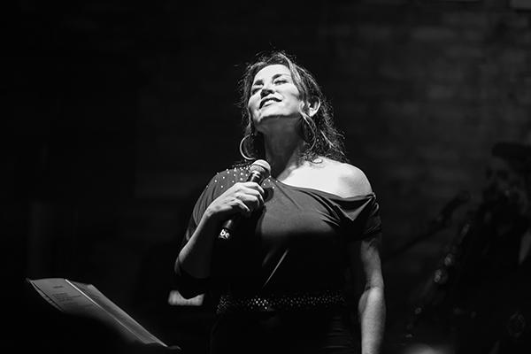 Sanat Performance'ta Aşkın Nur Yengi rüzgarı esti