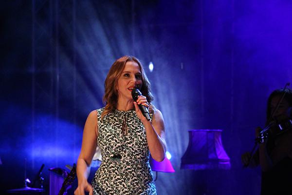 Sertab Antalya'da Eurovision rüzgarları estirdi