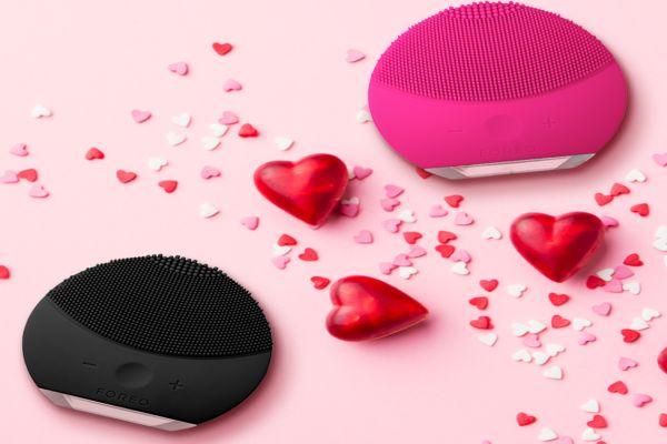 Foreo çiftlere romantik tavsiyelerde bulundu
