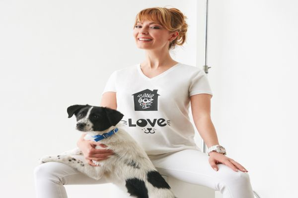 Koton Love Koleksiyonu ile sokak hayvanına göz kulak oluyor
