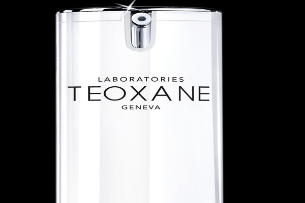 Teoxane RHA Serum ile ışığı yakalayın