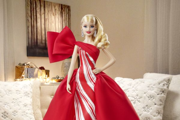 Barbie Mutlu Yıllar bebeği ile veda ediyor