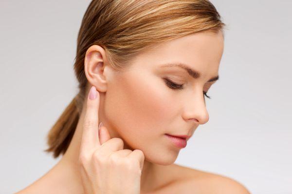 Kepçe kulak sorununa ipli çözüm