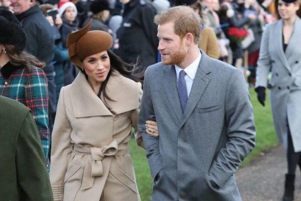 İngiltere Kraliyet Ailesi ve Meghan Markle kilisede buluştu