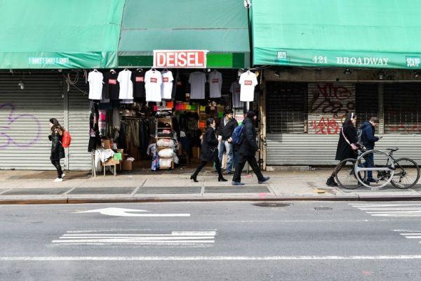 Diesel kendi sahte mağazası Deisel'i açtı
