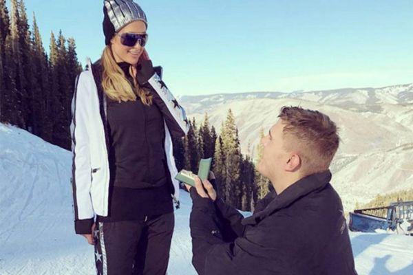 Paris Hilton boş vakti olmadığı için evlenemiyor!