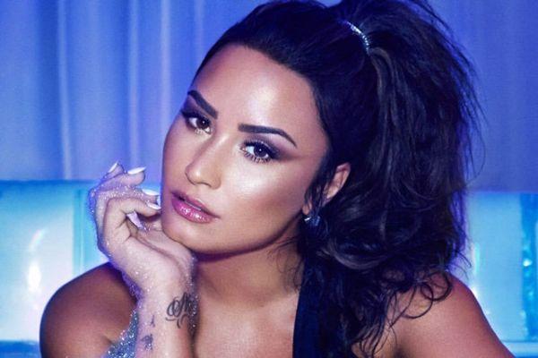 Demi Lovato 6 yıldır ayık olmasını kutluyor!