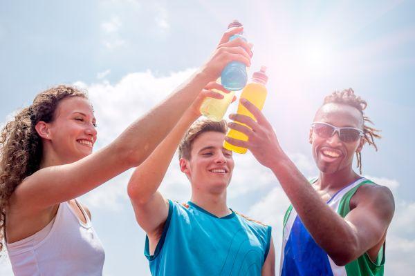 Meyve suyu ile sporda kaybedilen enerjiyi geri kazan
