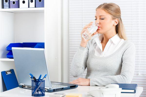 Ofiste su tüketimini artırmak için lezzetli alternatifler