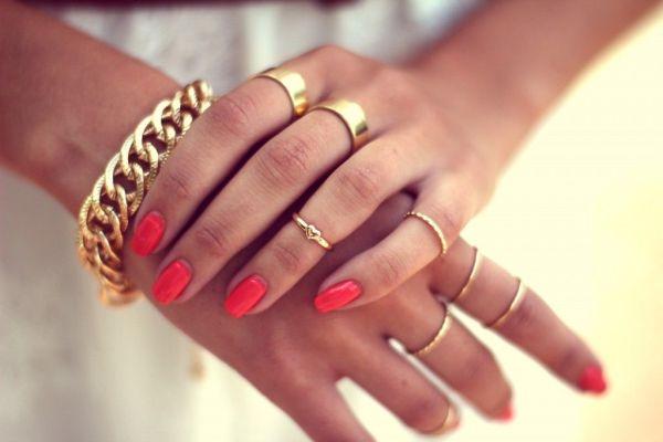 Tarzını parmaklarında eklem yüzükleriyle yarat