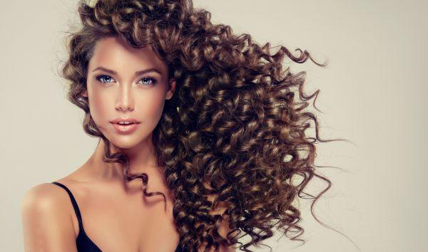 Saç yenilenmesine yardımcı 7 fantastik kuru şampuan