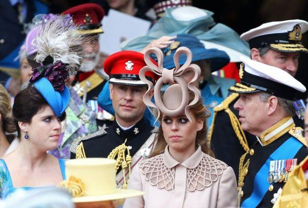 Prenses Beatrice düğünde acaba nasıl bir şapka takacak?