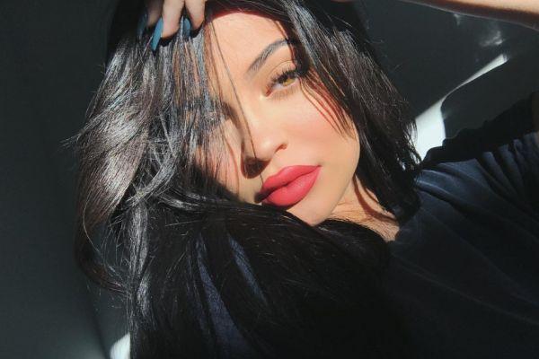 O son zamanların en popüler kadınlarından: Kylie Jenner