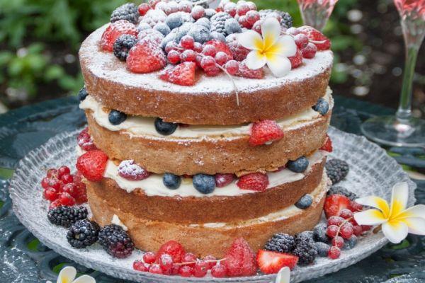 Pastada trend alarmı: Naked Cake!