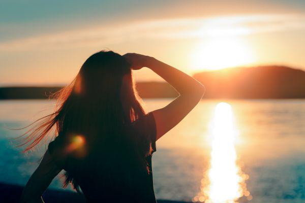 Dikkat! Güneşe uzun süre bakmak kör edebilir!