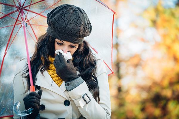 Mevsim geçişlerini hastalanmadan atlatabilmek için neler yapılmalı?