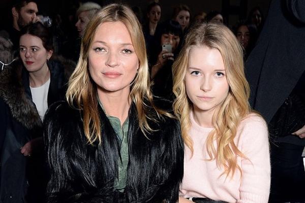 Kate Moss'un kızı Lila Moss annesinin izinden gidiyor