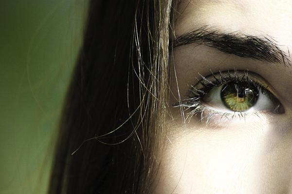 Yeni nesil ameliyatsız göz estetiği nasıl uygulanıyor?