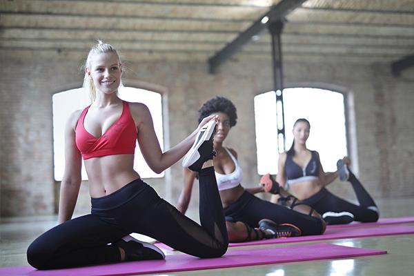 Oturarak çalışanların ağrılarına çözüm: Pilates!