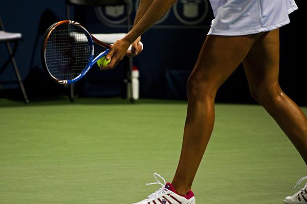 Tenis en çok omzu, bileği ve dirseği yaralıyor