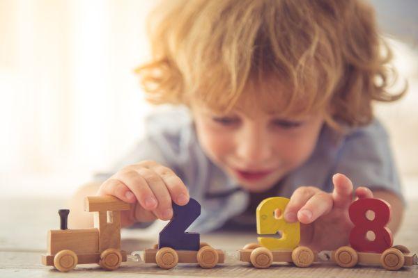 Çocukların sağlığı için ahşap oyuncakların önemi açıklandı