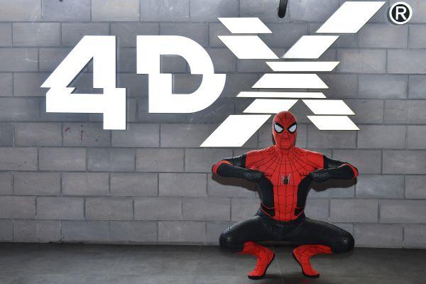 Ünlü isimler Örümcek Adam'ın ön gösteriminde buluştu