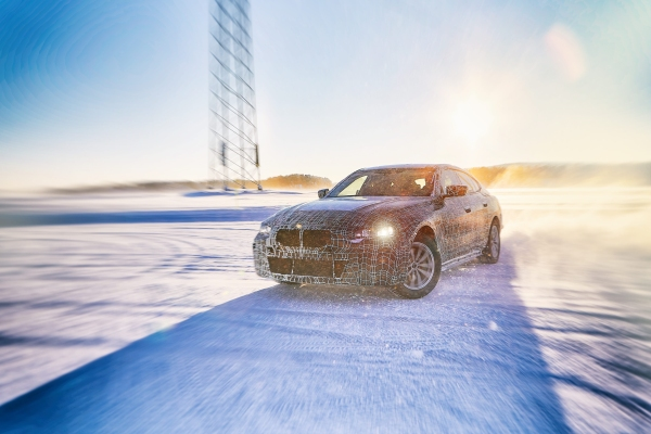 BMW i4 serisi kış testlerine devam ediyor