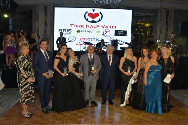 Türk Kalp Vakfı Yeni Yıl balosunda önemli mesaj verildi