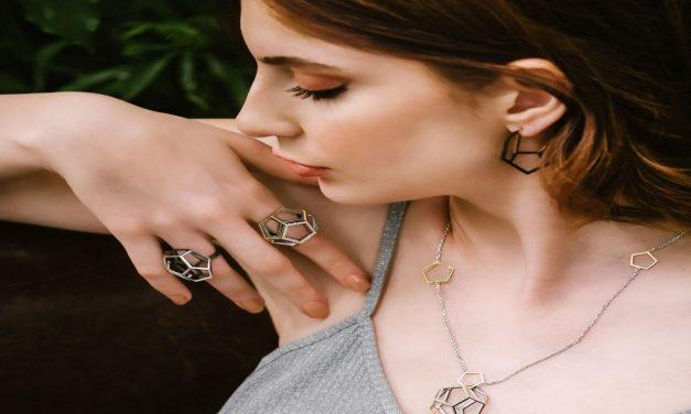 C|ND|N Jewellery Design Marka Kurucusu ve Mücevher Sanatçısı ile çok özel röportaj gerçekleştirdik